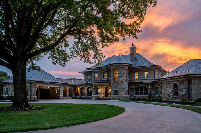 Majestic Stone Manor